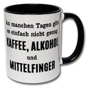 Tasse Kaffee, Alkohol und Mittelfinger